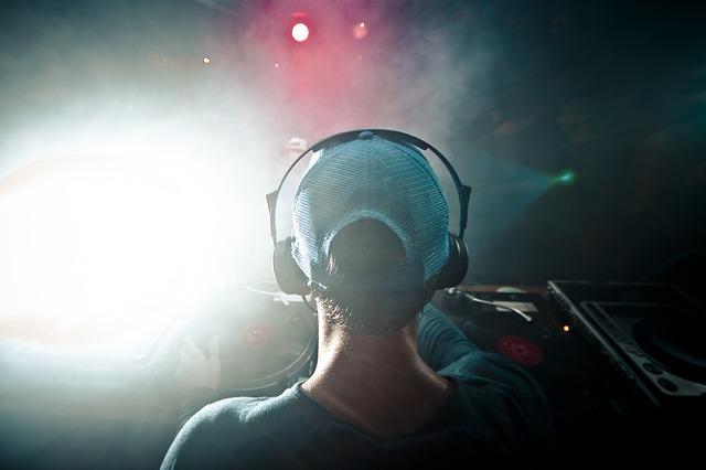 DJ VIVI